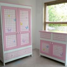 babykamer roze ruitjes