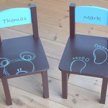 tafel stoeltjes bruin